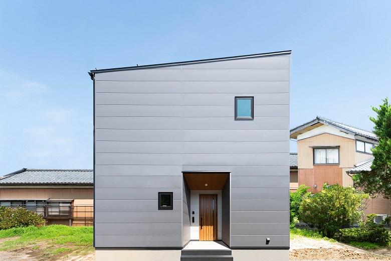 210722_niigata-w_01_facade