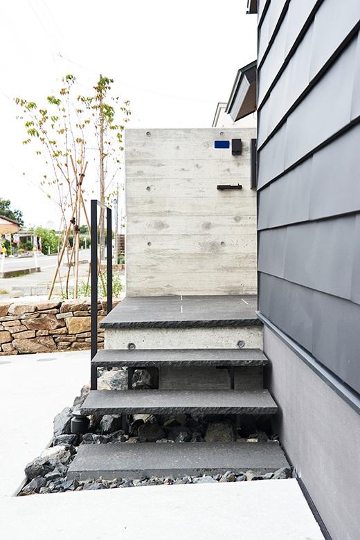 201009_niigata-m_03_facade