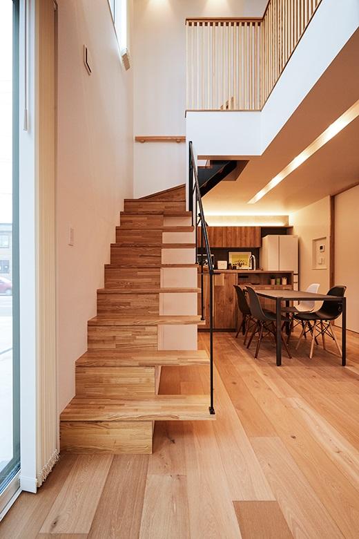 201009_niigata-m_11_stairs